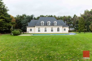 PROPRIETE D'EXCEPTION - STYLE ILE DE FRANCE DE L'ARCHITECTE GUIBOURG - VERN SUR SEICHE
